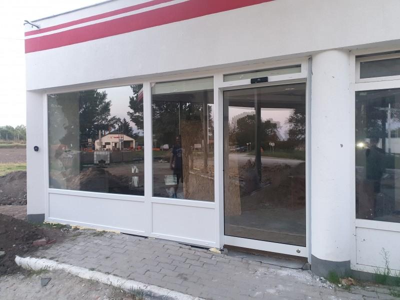 Automata ajtò ès portàlszerkezet telepìtèsünk Kerèktelekiben