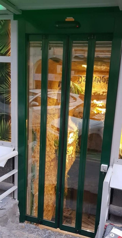Automata harmonika ajtò telepìtèsünk extrèm szűk nyìlàshoz budapesti ètterembe